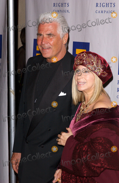 James Brolin Photo - Photo by Lee Rothstarmaxinccom200430604Barbara Streisand and husband James Brolin at The Human Rights Campaign Annual Gala(Century City CA)