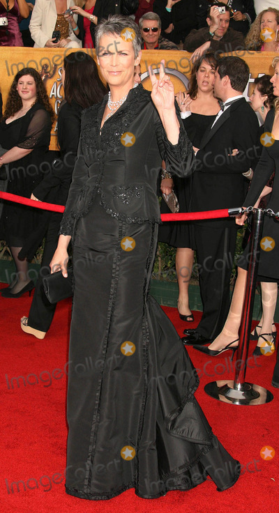 Jamie Lee Curtis Photo - Photo by NPXstarmaxinccom200612906Jamie Lee Curtis at the 12th Annual Screen Actors Guild (SAG) Awards(Los Angeles CA)