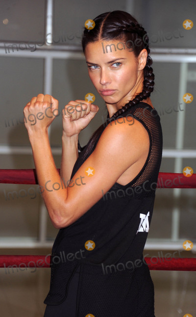 Adriana Lima Photo - Photo by Dennis Van TinestarmaxinccomSTAR MAX2016ALL RIGHTS RESERVEDTelephoneFax (212) 995-1196112116Adriana Lima at Train With The Victorias Secret Angels in New York City