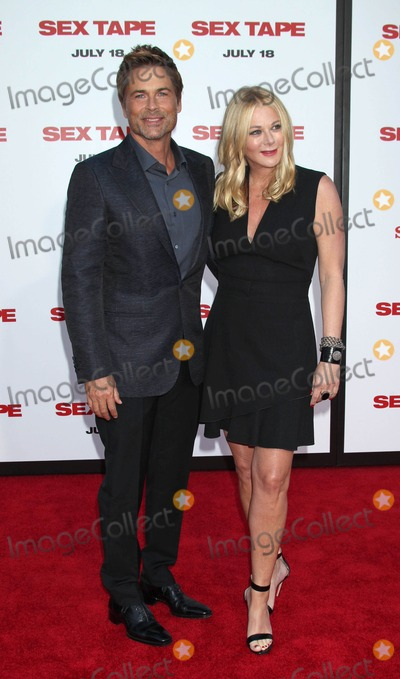 Sheryl Berkoff Photo - Photo by REWestcomstarmaxinccomSTAR MAX2014ALL RIGHTS RESERVEDTelephoneFax (212) 995-119671014Rob Lowe and wife Sheryl Berkoff at the premiere of Sex Tape(Westwood CA)