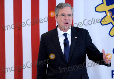 Jeb Bush Photo - Photo by Dennis Van TinestarmaxinccomSTAR MAX2016ALL RIGHTS RESERVEDTelephoneFax (212) 995-11962816Jeb Bush campaigns in Nashua New Hampshire
