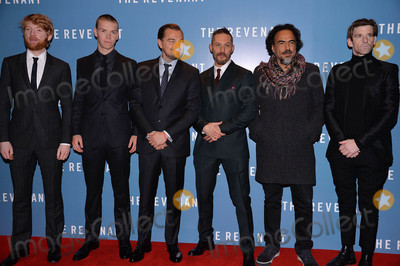 Tom Hardy Photo - Photo by KGC-42starmaxinccomSTAR MAX2016ALL RIGHTS RESERVEDTelephoneFax (212) 995-119611416Domhnall Gleeson Will Poulter Leonardo DiCaprio Tom Hardy Alejandro Gonzalez Inarritu and Paul Anderson are seen at the premiere of The Revenant(London England)