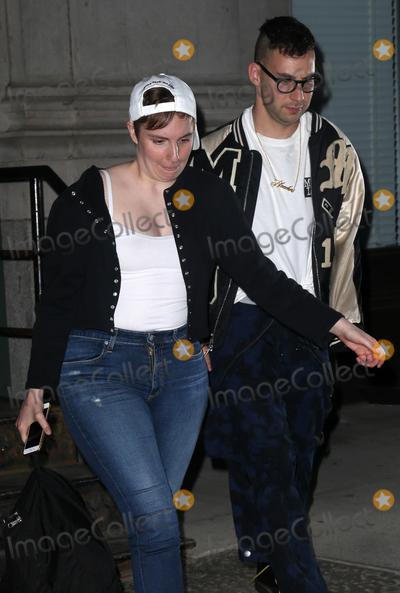 Lena Dunham Photo - Photo by KGC-146starmaxinccomSTAR MAX2015ALL RIGHTS RESERVEDTelephoneFax (212) 995-119652815Lena Dunham and Jack Antonoff are seen in New York City(NYC)