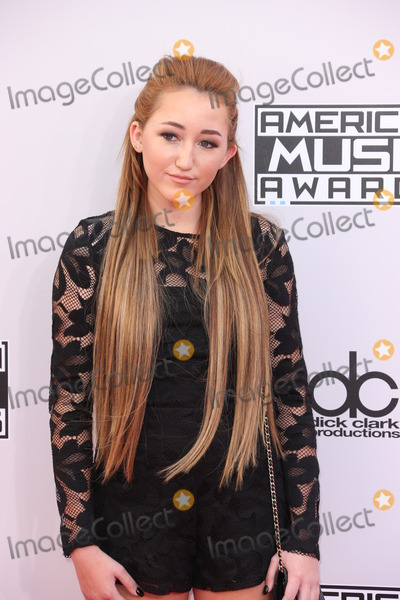 Noah Cyrus Photo - Photo by REWestcomstarmaxinccomSTAR MAX2014ALL RIGHTS RESERVEDTelephoneFax (212) 995-1196112314Noah Cyrus at the 2014 American Music Awards(Los Angeles CA)