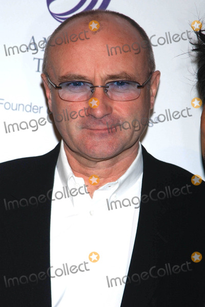 Phil Collins Photo - Photo by Stephen Truppstarmaxinccom200641006Phil Collins at the American Theatre Wings Annual Spring Gala(Cipriani NYC)