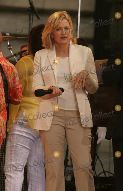 Good Morning America Diane Sawyer : Photos and pictures new york ny  diane sawyer