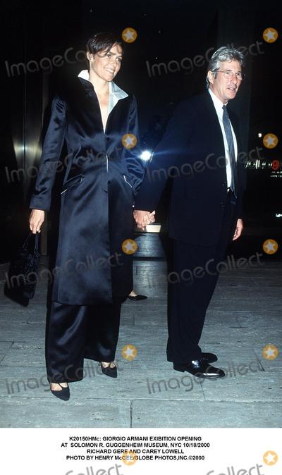 Richard Gere Photo -  Giorgio Armani Exibition Opening at Solomon R Guggenheim Museum NYC 10182000 Richard Gere and Carey Lowell Photo by Henry McgeeGlobe Photosinc