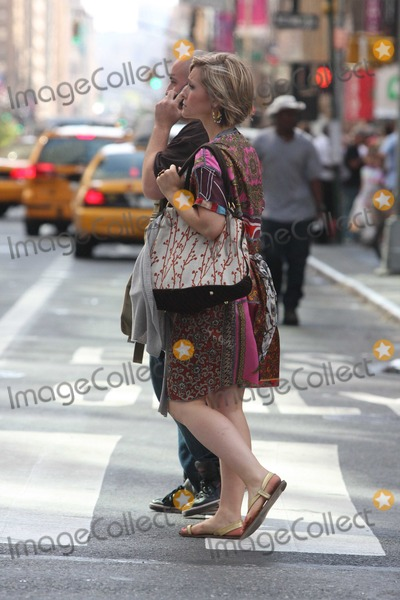 Allison Mack Photo - NYC  081410EXCLUSIVE Allison Mack (Smallville) walking to the subway by herself in MidtownEXCLUSIVE photo by Adam Nemser-PHOTOlinknet