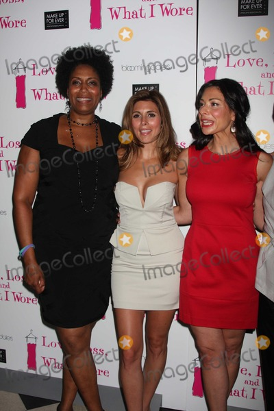 Stacy London Photo - NYC  090210New cast members Nancy Giles Jamie-Lynn Sigler and Stacy London at the party to celebrate the new cast of the Off-Broadway play Love Loss and What I Wore at 44 12Photo by Adam Nemser-PHOTOlinknet