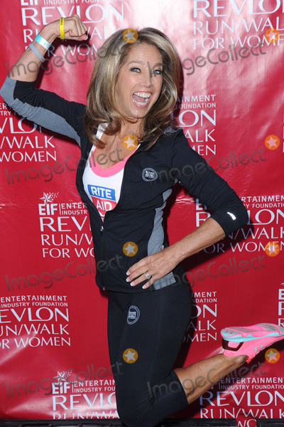 Denise Austin Photo - May 3 2014 New York CityFitness instructor Denise Austin attends the 17th Annual EIF Revlon Run Walk For Women on May 3 2014 in New York City