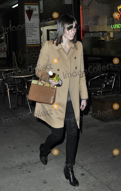 Ali Lohan Photo - November 5 2012 New York CityAli Lohan leaves a downtown hotel on November 5 2012 in New York City
