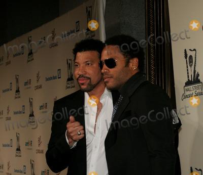 Lenny Kravitz Photo - Lionel Richie and Lenny Kravitz at the 2006 Cipriani Deutsche Bank Concert Series Benefiting amfAR