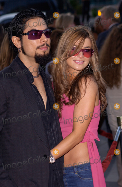 Dave Navarro Photo - Actress CARMEN ELECTRA  boyfriend DAVE NAVARRO at the Los Angeles premiere of The Others07AUG2001   Paul SmithFeatureflash