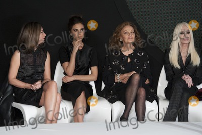 Victoria Beckham Photo - Victoria Beckham and Donatella Versace on the judges panel at the International Woolmart Awards ME Hotel Aldwych London16022013 Picture by Simon Burchell  Featureflash