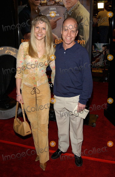 Scott Hamilton Photo - Olympic skater SCOTT HAMILTON with TRACEY ROBINSON at the world premiere in Hollywood of Showtime 11MAR2002   Paul Smith  Featureflash