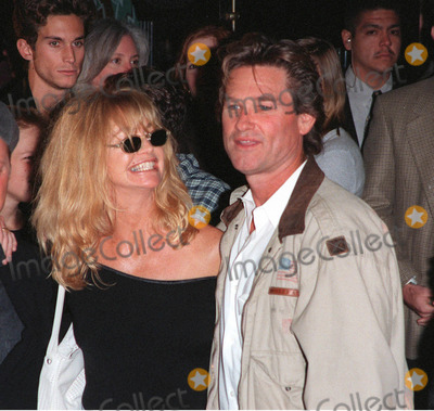 Goldie Photo - 21OCT98  Actress GOLDIE HAWN  actor husband KURT RUSSELL at the Hollywood premiere of Soldier which stars Kurt Russell  Gary Busey Busey
