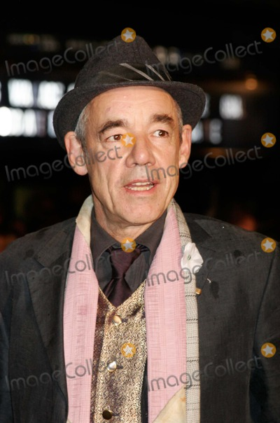 Roger Lloyd Pack Photo - London  Roger Lloyd Pack at the premiere of the film Harry Potter and the Goblet of Fire held at the Odeon Leicester Square  6 November  2005Lisle BrittainLandmark Media