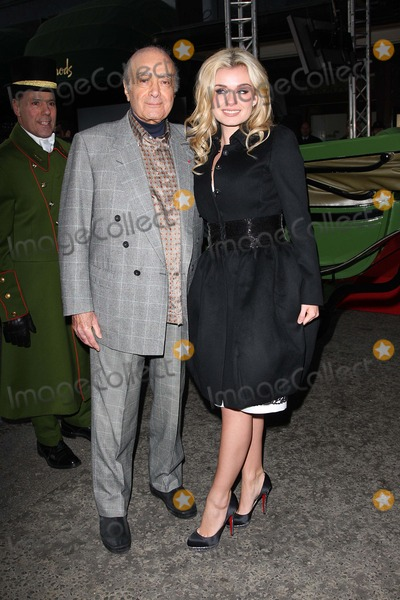 Katherine Jenkins Photo - LondonUK  Classical Welsh born singer Katherine Jenkins with Mohamed Al-Fayed as she  launches the Harrods Winter Sale   27th December 2008Jo RedLandmark Media