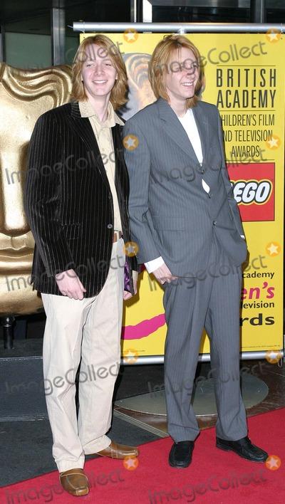 Oliver Phelps Photo - London Oliver Phelps and James Phelps at the BAFTA Childrens Film and Television Awards held at the London Hilton28 November 2004Paulo PirezLandmark Media