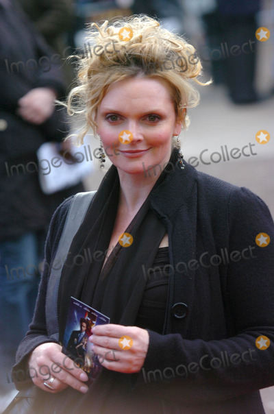 Sharon Small Photo - London UK Sharon Small at the UK premiere of new film Iron Man at the Odeon Leicester Square  in London UK 24th April 2008Andy LomaxLandmark Media2008
