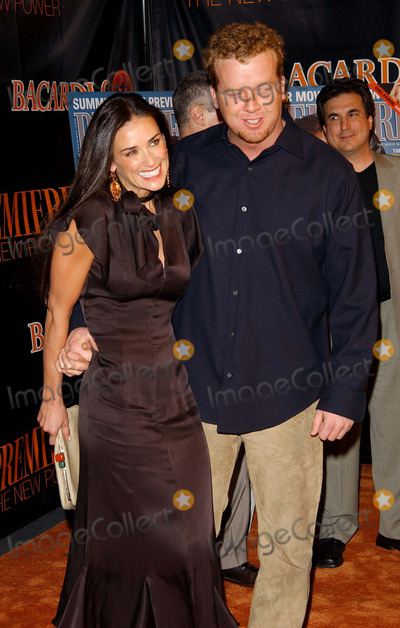 Demi Moore Photo - Premiere - the New Power Ivar Hollywoodca 05062003 Photo by Fitzroy Barrett  Globe Photos Inc 2003 Demi Moore  Mcg