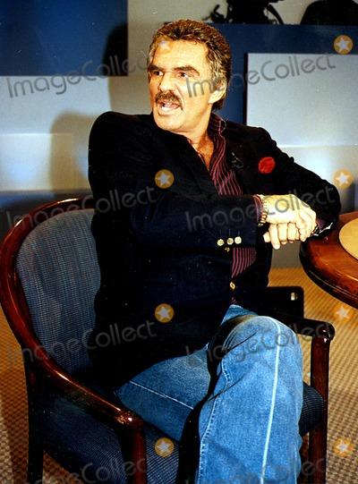 Burt Reynolds Photo - Burt Reynolds on the Phil Donahue Show 1994 L9494eg Ed GellarGlobe Photos Inc