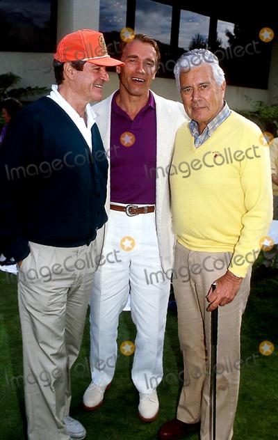 Hugh OBrian Photo - Hugh Obrianarnold Schwarzenegger and John Forsyhte Photokarnbad-michelsonGlobe Photos Inc 1990 Arnoldschwarzeneggerretro
