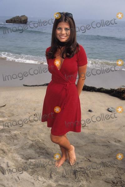 Yasmine Bleeth Photo - Yasmine Bleeth at Premiere and Mtv Beach Party 1995 L2087lr Photo by Lisa Rose-Globe Photos Inc