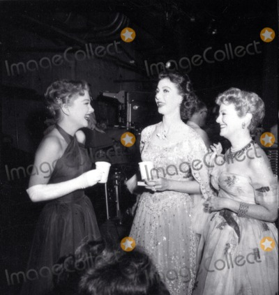 Anne Baxter Photo - Anne Baxter Loretta Young Janet Gaynor Photo Nate CutlerGlobe Photos Inc