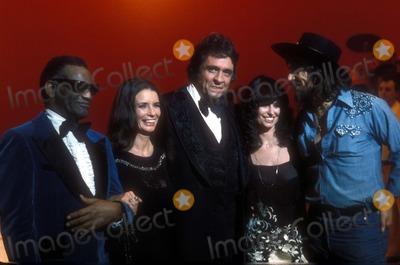 Ray Charles Photo - 1978 Ray Charles Johnny Cash June Carter Jessie Colter and Waylon Jennings Photo by Gj PughGlobe Photos Inc Raycharlesretro