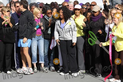 Tracy Chapman Photo - SUZW ORMAN DROZELIZABETH BANKS TRACY CHAPMAN MARY JBLIGEOPRAH WINFREYJENNIFER HUDSONat O the Oprah Magazine Celebrates its 10thAnniversary with a charity walk Oprah WinfreyLive Your Best Life Walk Starting at Pier 86 the Intrepid   05-09-2010Photo by John BarrettGlobe Photos INC2010K64749JBB