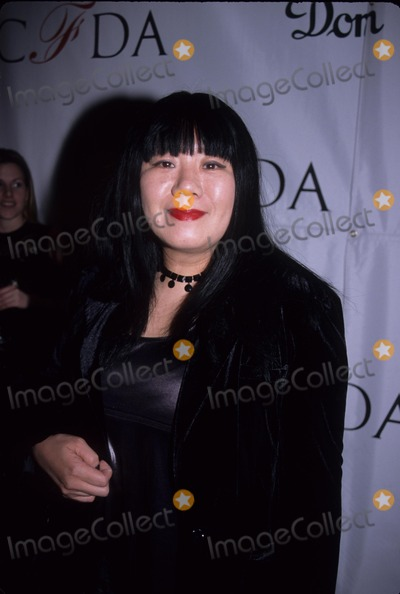 Anna Sui Photo - Anna Sui at Cfda Awards  the Hotel Cipriani in New York 1998 K11283smo Photo by Sonia Moskowitz-Globe Photos Inc