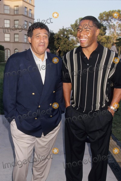 Greg Gumbel Photo - Greg Gumbel with Marcus Allen Tca Press Tour Cbs 1998 K12802lr Photo by Lisa Rose-Globe Photos Inc