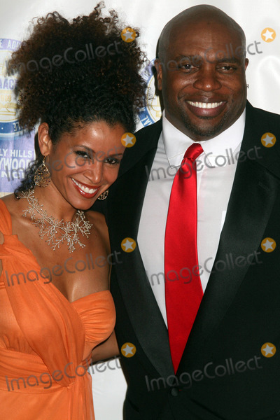Mari Morrow Photo - the 19th Annual Beverly Hillshollywood Naacp Theatre Awards Directors Guild of America Hollywood CA 083109 Lester Speight Aka the Mighty Rasta and Mari Morrow Photo Clinton H Wallace-photomundo-Globe Photos Inc 2009