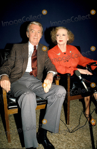 James Stewart Photo - Jimmy Stewart and Bette Davis Photo Colella-Globe Photos Inc 1982 Bettedavisretro