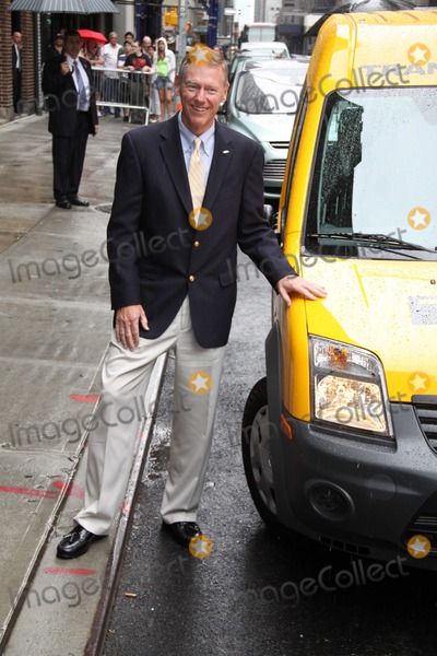 Alan Mulally Photo - Alan Mulally Ford Motors Chief Executive Celebrities Visit Late Night with Davis Letterman Ed Sullivan Theatre New York NY 8-3-11 Photo by John BarrettGlobe Photos Inc