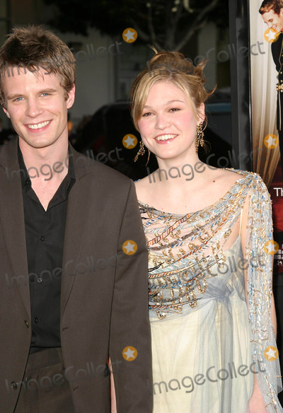 So Who is current Julia Stiles boyfriend