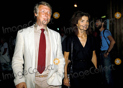 Jackie Onassis Photo - Mike Nichols and Jacqueline Kennedy Onassis Photojames Colburn  Ipol  Globe Photos 1980 Inc Jacquelinekenndeyonassisretro