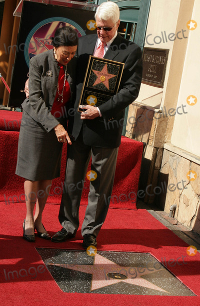 Peter Graves Photo - Peter Graves Honored with Star on the Hollywood Walk of Fame 6667 Hollywood Blvd Hollywood CA 103009 Peter Graves and Wife Joan Endress Photo Clinton H Wallace-photomundo-Globe Photos Inc