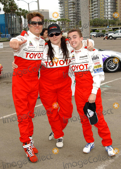Liza Snyder Photo - 28th Annual Toyota Pro Celebrity Race Practice Session and Press Day in Long Beach CA 04062004 Photo by Fitzroy BarrettGlobe Photos Inc 2004 Amdrew Firestone Liza Snyder and Frankie Muniz