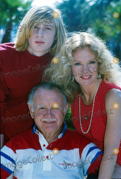 Hayley Mills Photo - John Mills with Crispian Mills and Hayley Mills 5-10-1990 Ugl 0675-l-13 Photo by Uppa-ipol-Globe Photos Inc