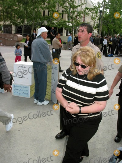 Bonnie Lee Bakley Photo - robert Blake Bail Hearing Van Nuys Superior Court Van Nuys CA 05012002 Margerry Bakley (Sister of Bonny Lee Bakley) Photo by Milan RybaGlobe Pphotosinc2002 (D)
