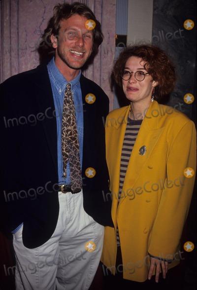 Melanie Mayron Photo - Peter Horton with Melanie Mayron Thrtysomething Fashion 1991 A7705 Photo by Fitzroy Barrett-Globe Photos Inc
