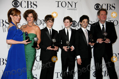Alice Ripley Photo - Annual Tony Awards Press Room the Rainbow Roomnyc June 7 09 Photos by Sonia Moskowitz Globe Photos Inc 2009 Alice Ripley Marcia Gay Hardendavid Alvarez Kiril Kullish and Trent Kowalik and Geoffrey Rush
