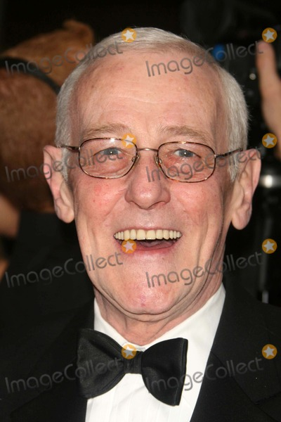 John Mahoney Photo - Tony Awards at Radio City Music Hall Date 07-10-07 Photos by John Barrett-Globe Photosinc John Mahoney