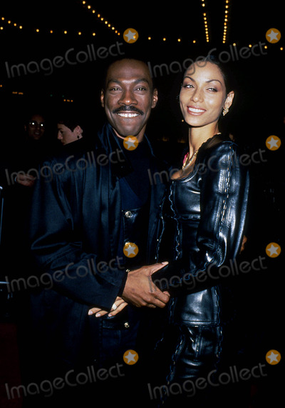 NICOLE MITCHELL Photo - Eddie Murphy with His Wife Nicole Mitchell 19913 L7218mf Photo by Michael Ferguson-Globe Photos Inc
