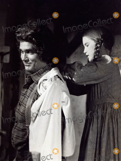 Melissa Gilbert Photo - Michael London with Melissa Gilbert the Pride of Walnut Grove on Little House on the Prairie 1976 Supplied by Globe Photos Inc