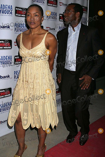 August Wilson Photo - Pasadena Playhouse Presents the Opening of August Wilsons Fences the Pasadena Playhouse Pasadena CA 09-01-2006 Angela Bassett and Husband Courtney Bvance Photo Clinton H Wallace-photomundo-Globe Photos Inc