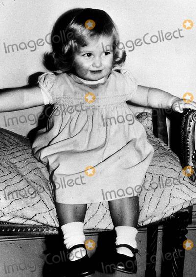 Lady Diana Photo - Age 2 at Park House  Sandringham  Norfolk Princess Diana ( Lady Diana Spencer ) Photo ByGlobe Photos Inc