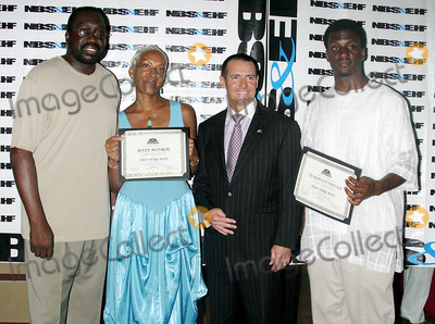 Aaron Davies Photo - K44701RMTHE 5TH ANNUAL GALA AWARDS CEREMONY FOR THE  NATIONAL BLACK SPORTS AND ENTERTAINMENT HALL OF FAME  AT THE AARON DAVIS HALL IN HARLEM  NEW YORK CITY08-30-2005 PHOTO BYRICK MACKLER-RANGEFINDERS-GLOBE PHOTOS 2005 EARL  THE PEARL  MONROE  MAYA MONROE AND TAJ ROBESON FRAZIER